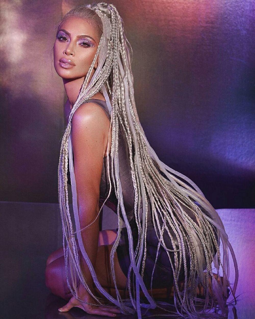 10 Gaya Rambut Ajaib ala Kardashian Sisters, Unik namun Tetap Flawless