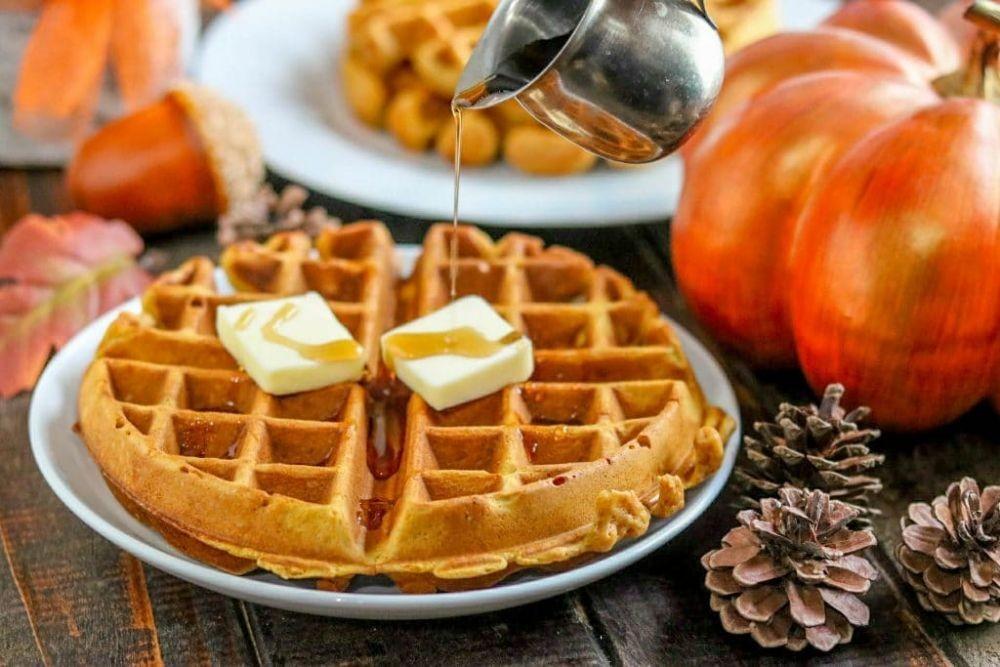 9 Bahan Rahasia Ini Bisa Bikin Kreasi Waffle Jadi Lebih Enak Lho!