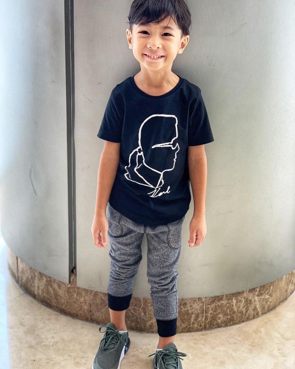 10 Potret Seth Ananda, Anak Marcell Siahaan yang Bule Abis