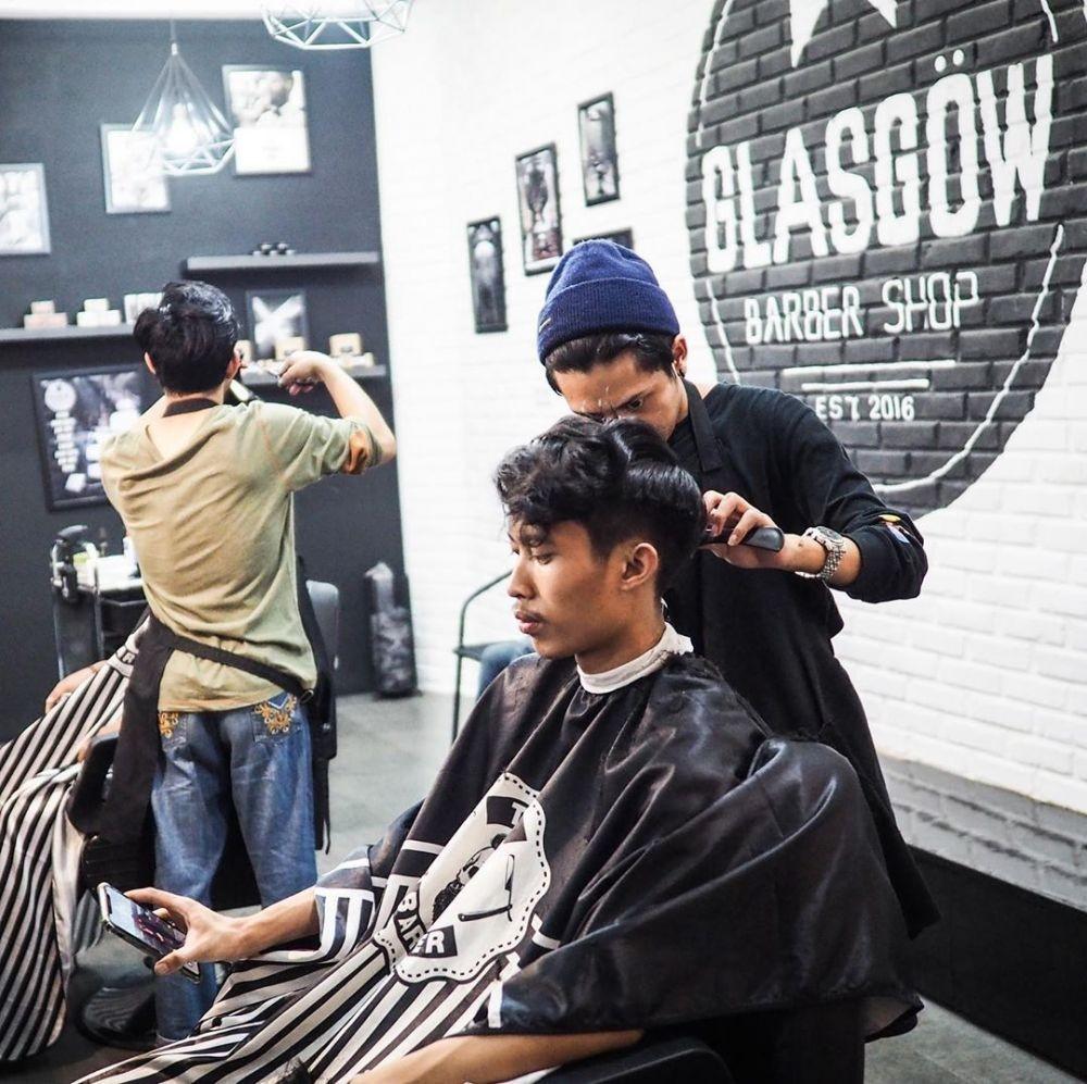 7 Rekomendasi Barbershop Paling Hits di Bandung, Bikin Makin Kece