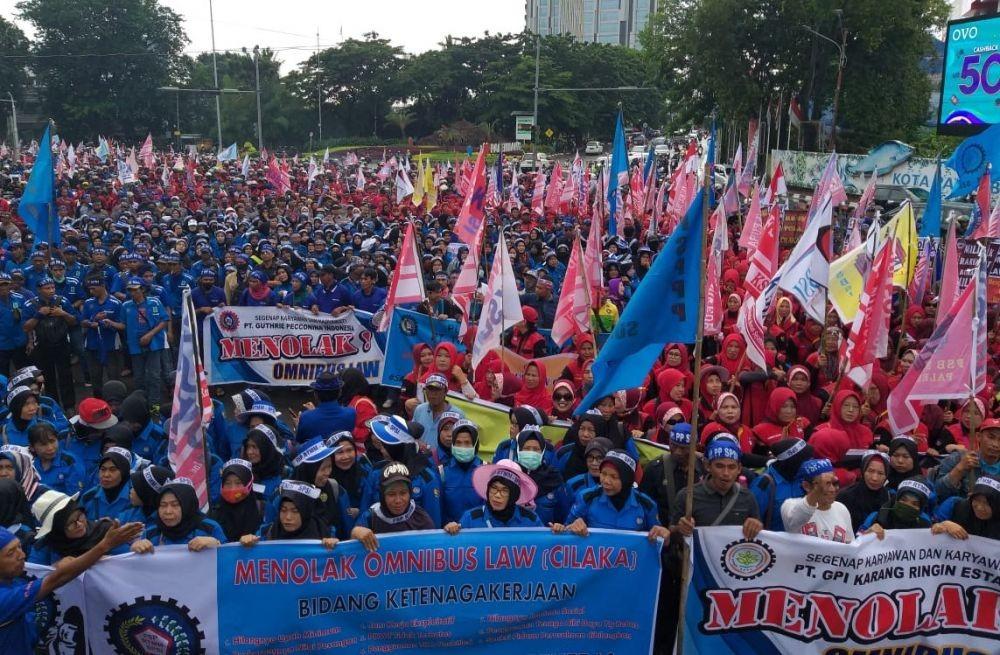 Tolak Omnibus Law dan PHK, Buruh akan Demo di Tengah Pandemik Corona