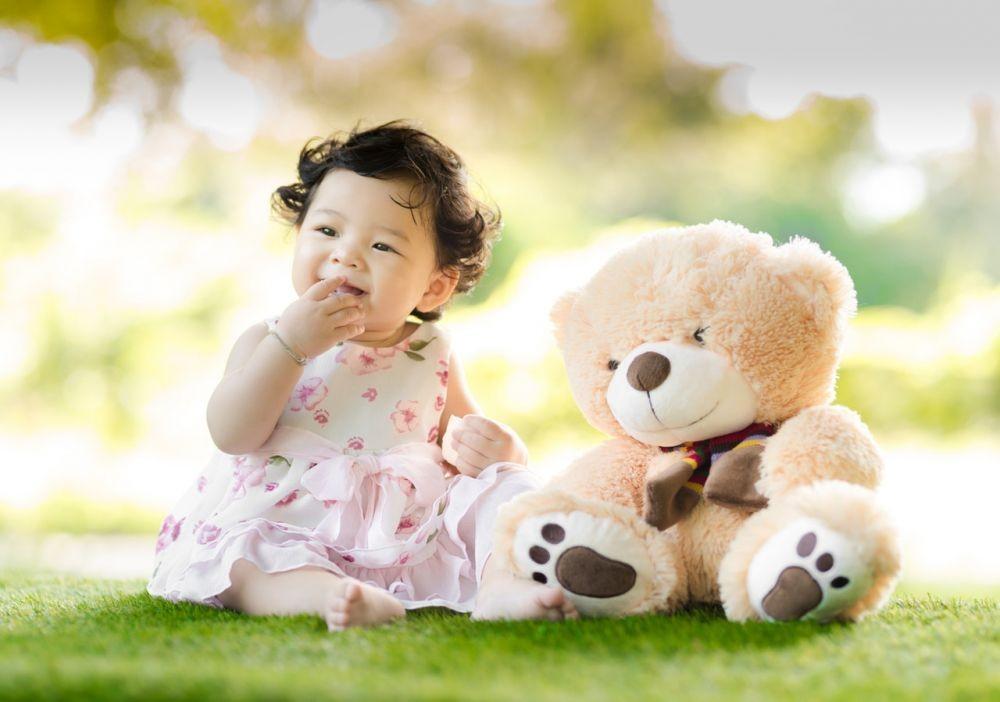 10 Arti Nama Anak Perempuan Bermakna Cahaya, Ada Anak Shandy Aulia!