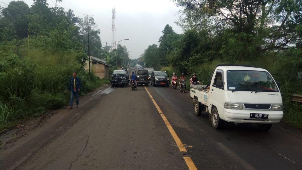 Kecelakaan Maut Avanza vs Tronton di Serang, 3 Orang Meninggal