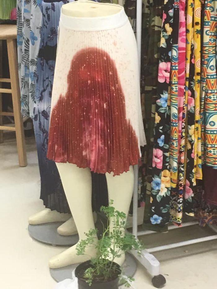 Gak Jadi Keren, 10 Fashion Gagal Ini Malah Malu-maluin!