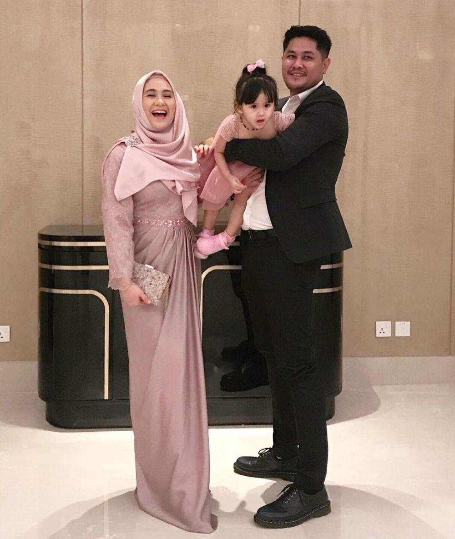 9 Style Hijab Ryana Dea Pemain Dunia Terbalik, Anggun!