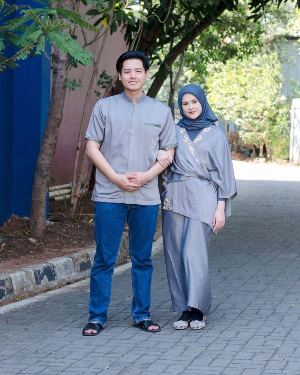 10 Pasangan Artis Mantapkan Hati untuk Hijrah Setelah Menikah