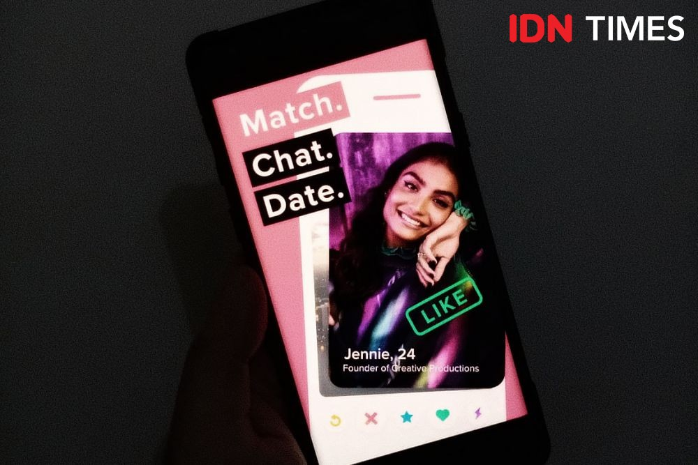 Panah Asmara Digital: Kisah-kisah Cinta Berawal dari Direct Message