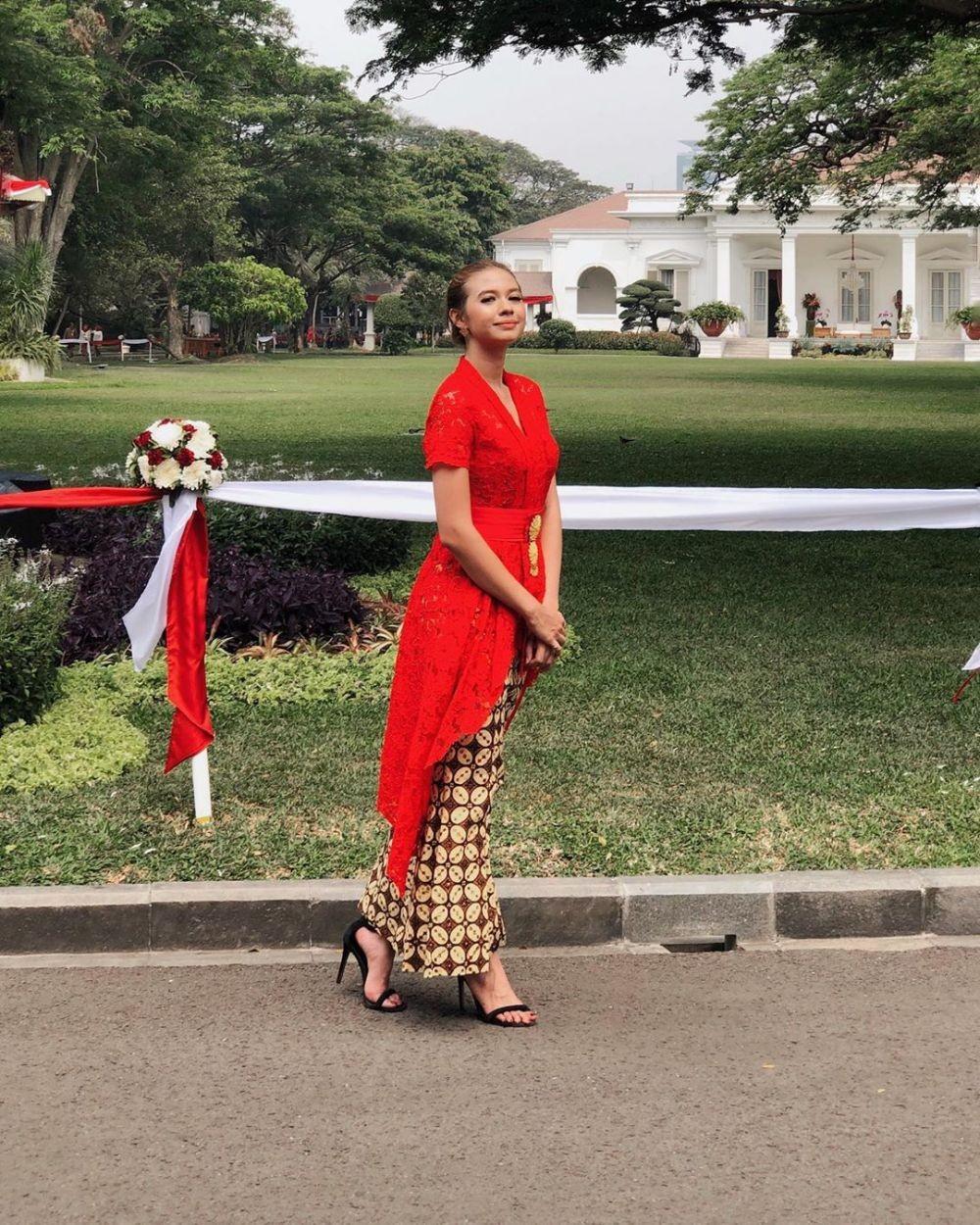 Hari Kartini, 9 Potret Menawan Artis Indonesia dengan Kebaya