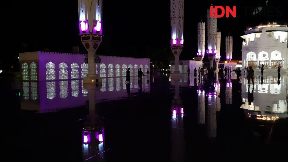 10 Potret Tarawih Pertama di Bumi Serambi Makkah Dalam Suasana Corona