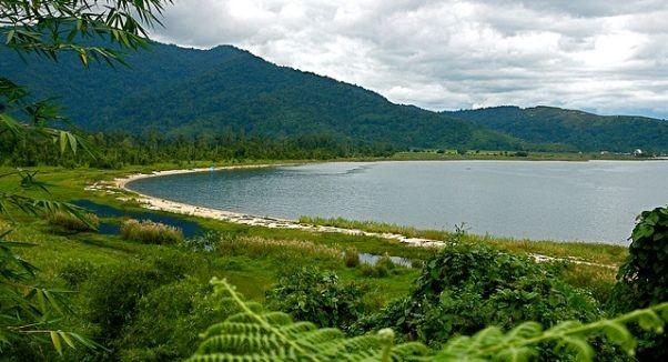 7 Danau Cantik di Indonesia yang Harus Masuk Bucket List Liburanmu