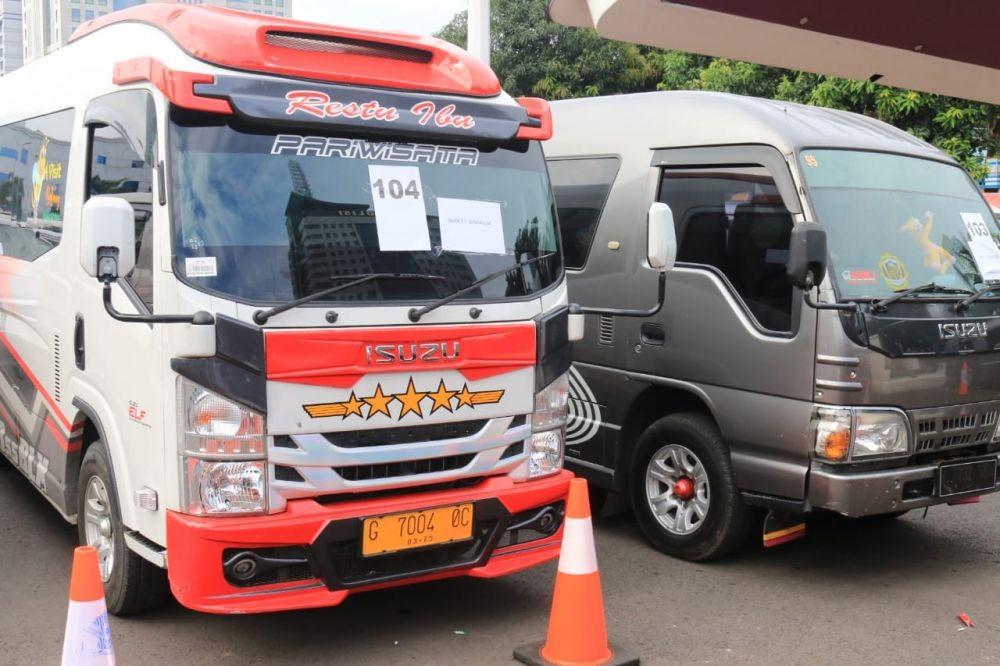 PPKM Diperpanjang, Ratusan Angkot di Purwakarta Mogok Kerja