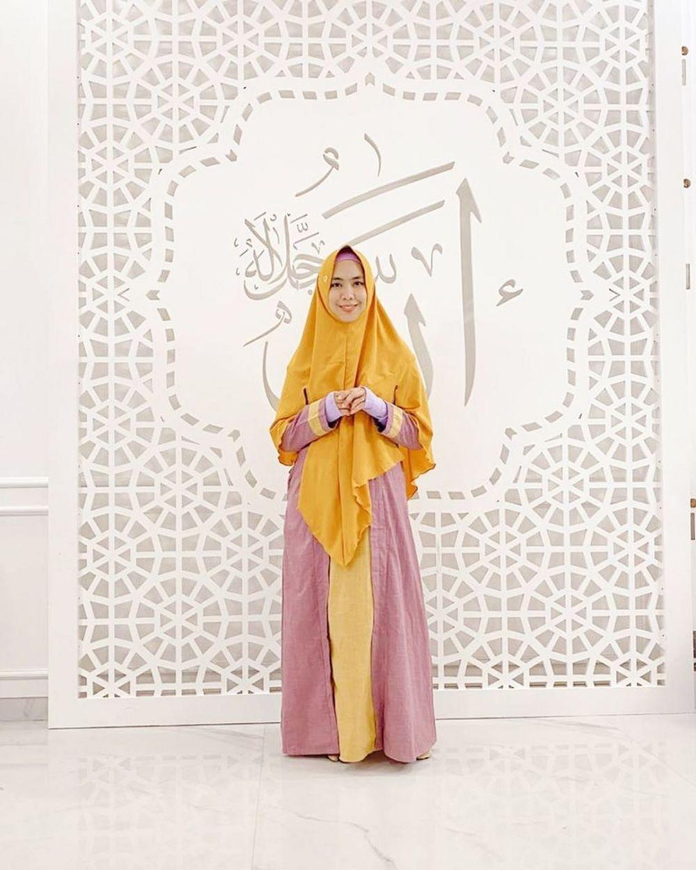 Elegan dan Modern, 10 Potret Rumah Mewah Ustazah Oki Setiana Dewi