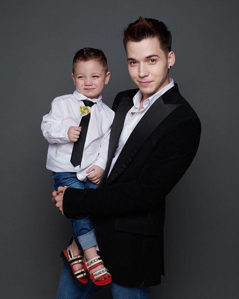 Hot Daddy Idaman, Ini 9 Photoshoot Stefan William Bareng Anak