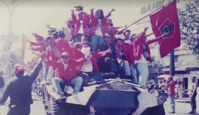 Merah Tak Pernah Padam: Kobaran Reformasi 1998 di Kota Makassar (1)