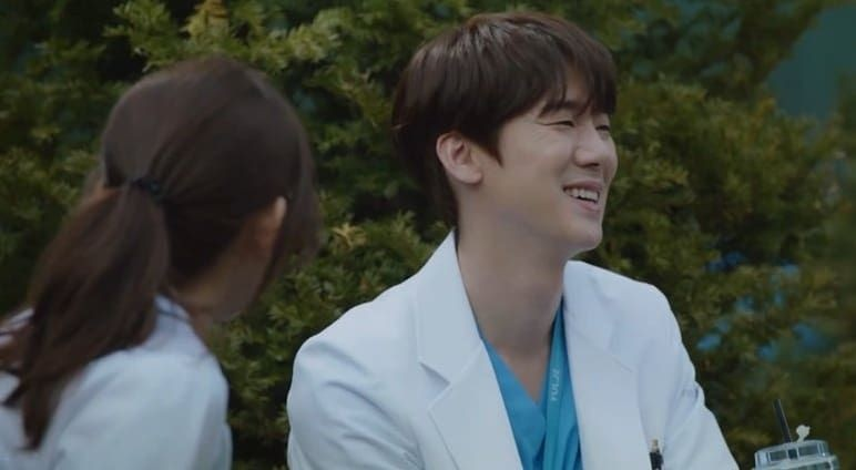 10 Alasan Pasangan Winter Garden Drama Hospital Playlist Jadi Favorit