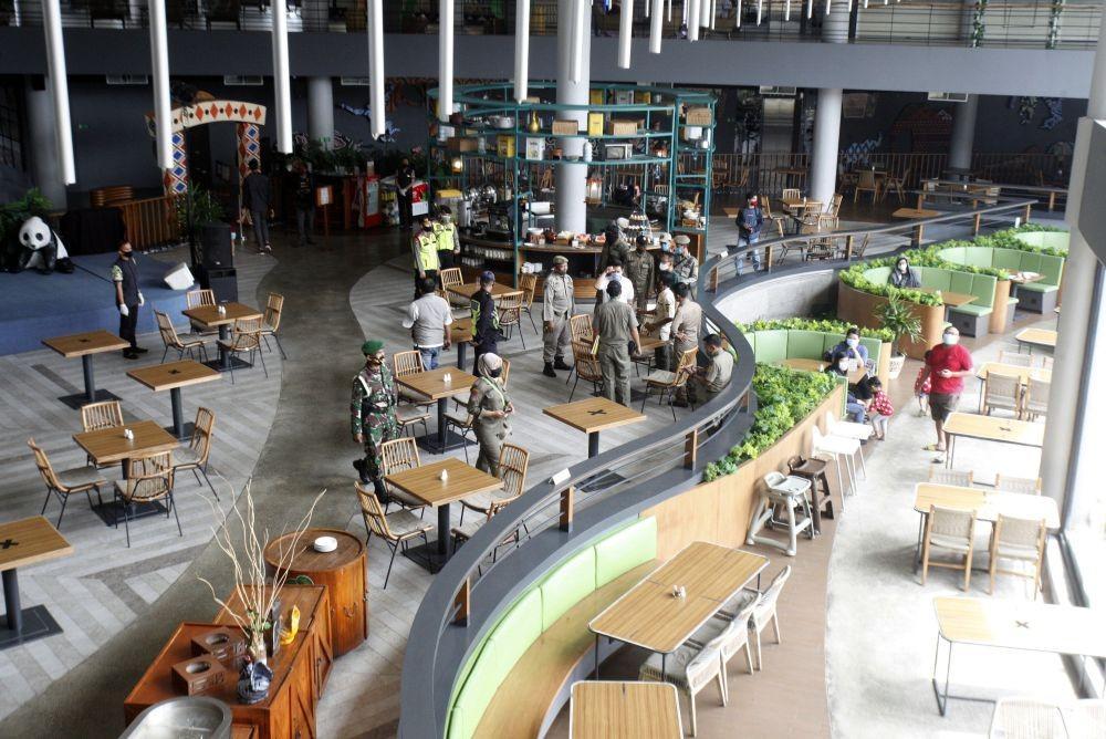 Anies Perpanjang Jam Buka Restoran Hingga 22.30 Selama Ramadan