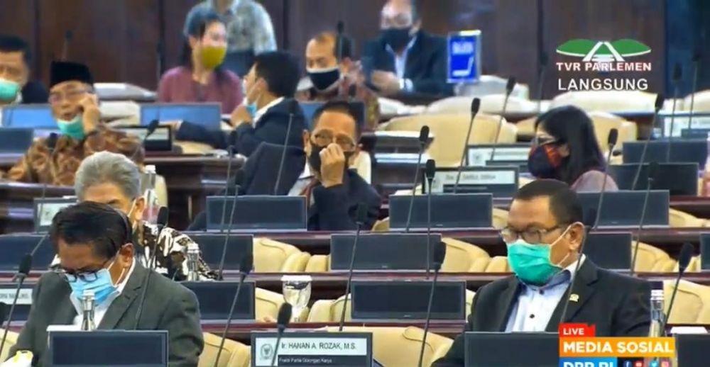 Hadiri Sidang Tahunan MPR, Jokowi Kenakan Baju Adat Sabu