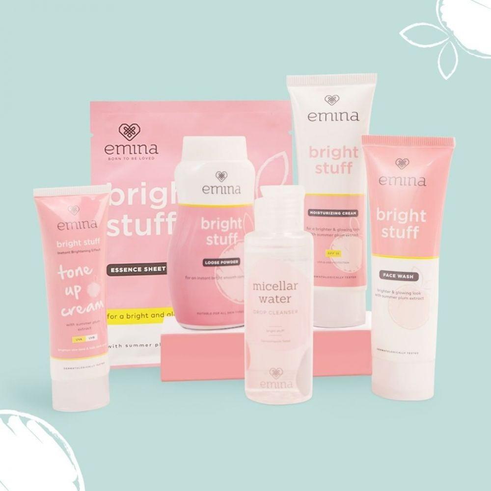 8 Rekomendasi Skincare Set untuk Remaja, dari Face Wash hingga Bedak