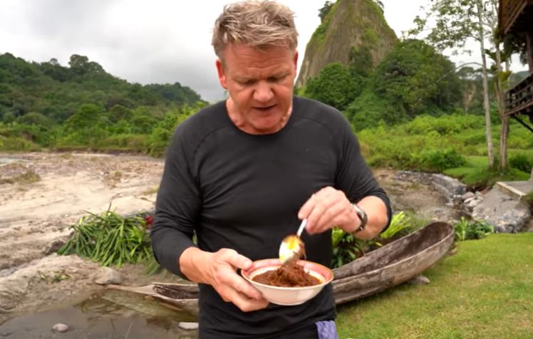 9 Fakta Unik tentang Gordon Ramsay Masak Rendang di Sumatra Barat