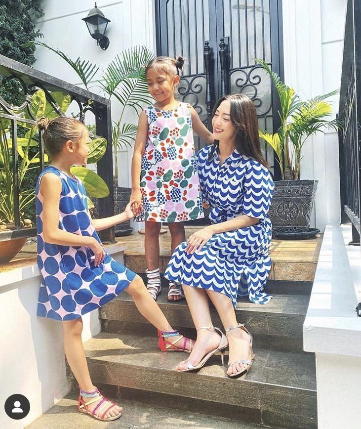 Sedang Disorot, 10 Potret Kekompakan Ririn Dwi Ariyanti dan Anak-anak