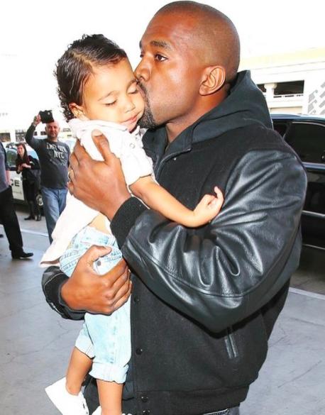 Mencalonkan Diri Jadi Presiden AS, 10 Potret Kanye West Momong Anak