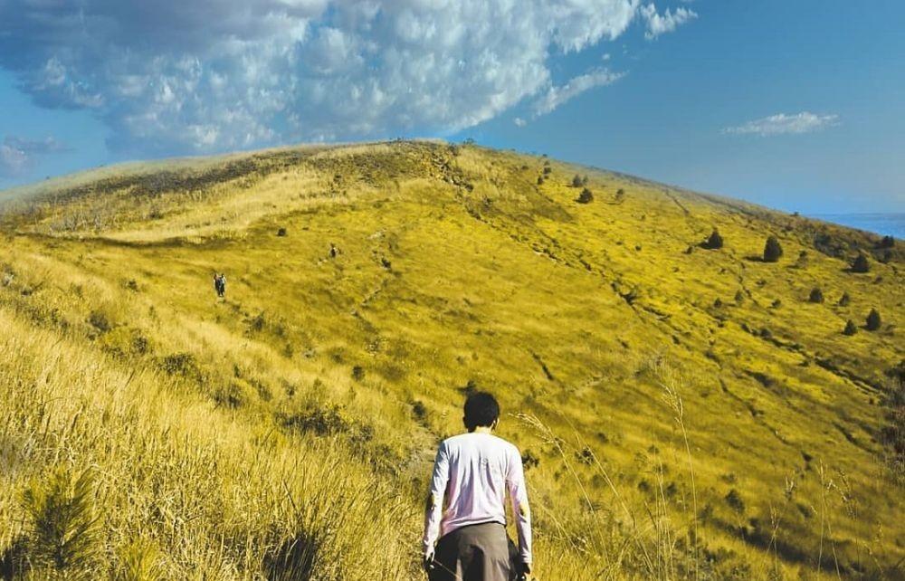 10 Fakta Unik Gunung Guntur yang Memiliki Jalur Pendakian Menantang