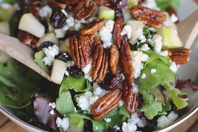 10 Bahan yang Sebaiknya Gak Ditambah ke Salad Sayur, Bikin Gak Sehat