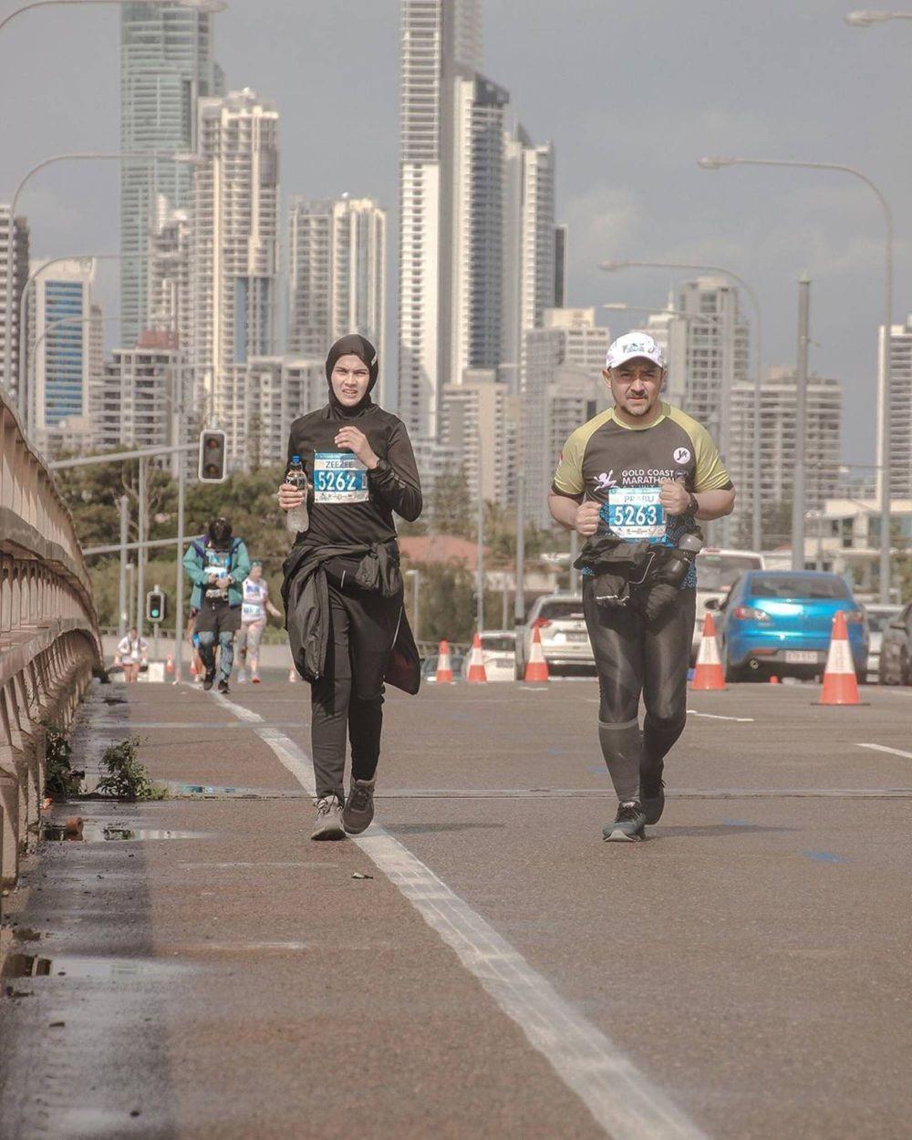 Kenang Momen Maraton, 10 Potret Bugar Zee Zee Shahab saat Berlari