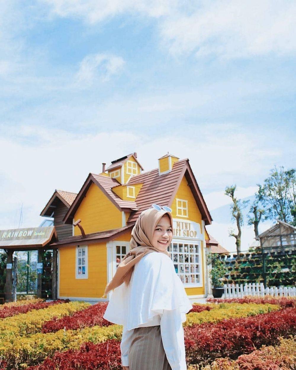10 Spot Foto Unik di Bandung yang Paling Hits dan Instagramable