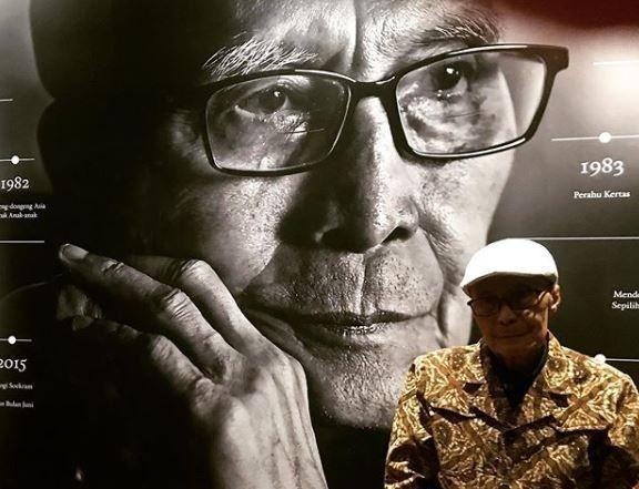 Biografi Singkat Sapardi Djoko Damono, Penyair Legendaris Indonesia