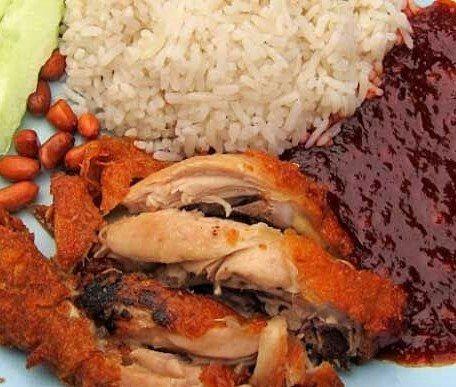 10 Nama Makanan Khas Indonesia yang Kelewat Aneh, Kocak Deh!