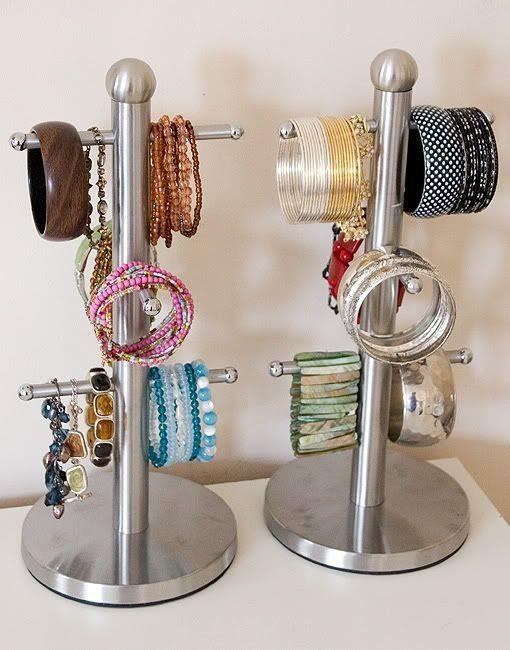 Biar Perhiasanmu Gak Tercecer, Coba 10 DIY Jewelry Organizer Ini Deh!