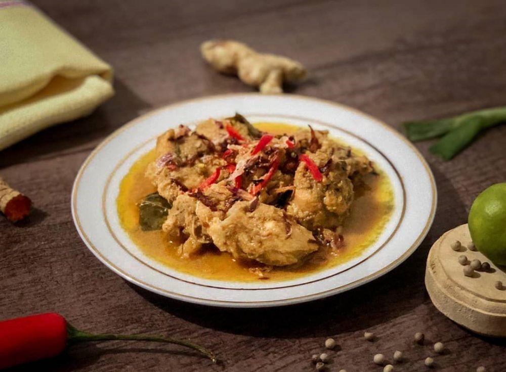 10 Makanan Tradisional Sulawesi Selatan yang Paling Enak dan Populer