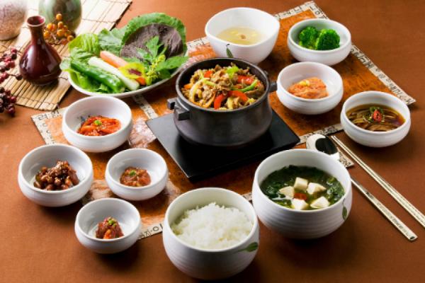 [QUIZ] Ternyata Ini Lho Makanan Korea yang Cocok dengan Golongan Darahmu