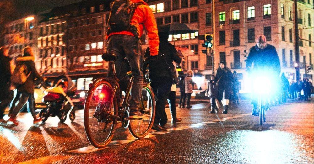 Tips Memilih Lampu Sepeda, Terang Saja Tidak Cukup