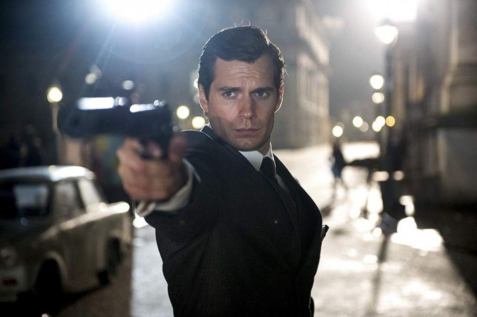 Jadi Sherlock Holmes, 10 Transformasi Henry Cavill dari Uwu jadi Macho