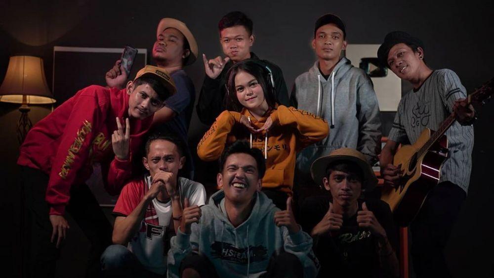 10 Pesona Kalia Siska, Penyanyi yang Viral di YouTube, Manisnya Khas