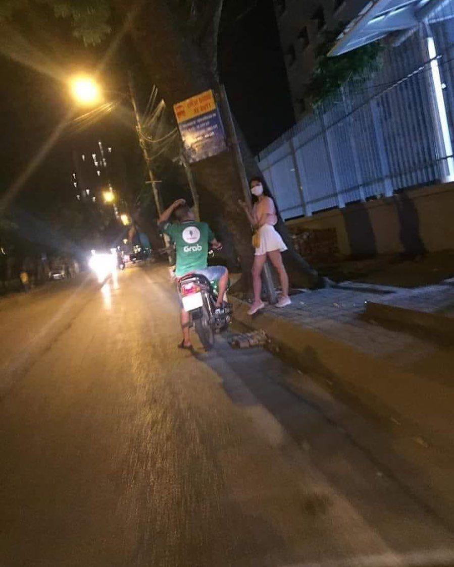 Kocak, 10 Potret Terciduk di Jalan Ini Pasti Bikin Malu Banget