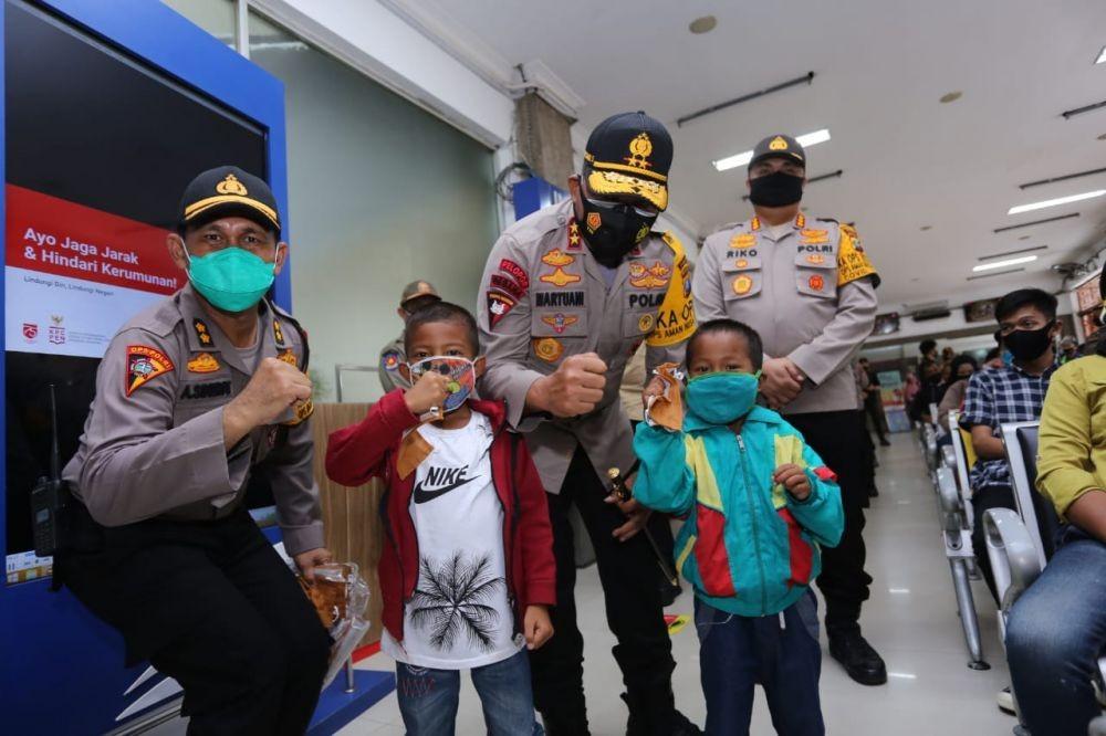 Gak Pakai Masker, Siap-siap Didenda Rp300 Ribu dan Dihukum Polisi