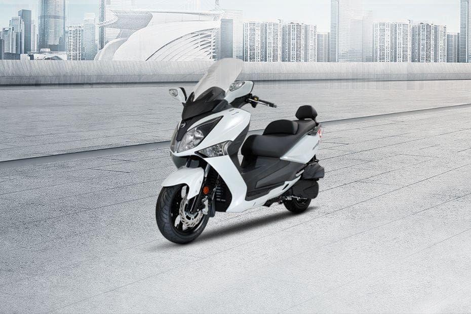 Deretan Skutik Bermesin 250 cc yang Menggoda, Asyik Buat Touring