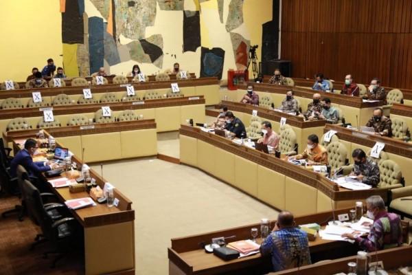 Tok! DPR dan Kemendagri Sepakat Pilkada Tetap 9 Desember 2020