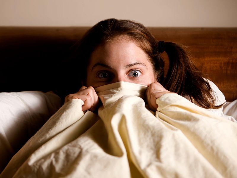 Rumahmu Berhantu? Ini 7 Penjelasan Ilmiah dari Hal Mistis yang Terjadi