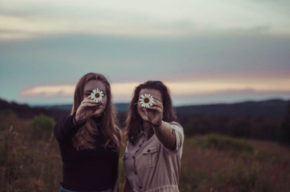 8 Tipe Teman yang Kamu Butuhkan dalam Hidup, Pastikan Gak Toxic!