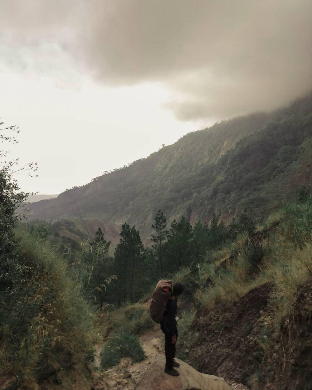 10 Gunung Paling Mistis di Pulau Sulawesi, Ada Jejak Kaki Raksasa