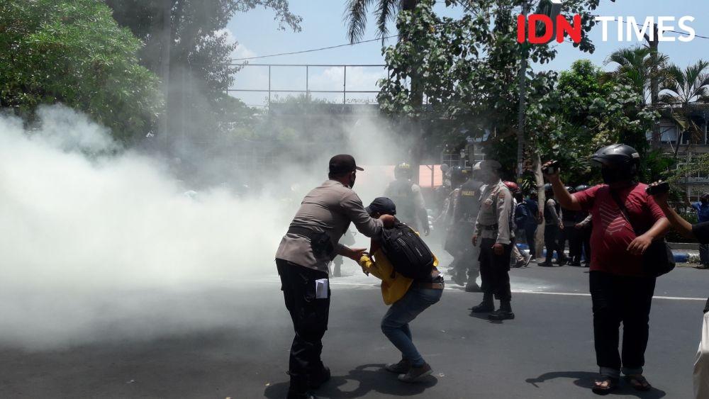Demo Mahasiswa Jombang Tolak Omnibus Law di Jombang, 1 Orang Ditangkap