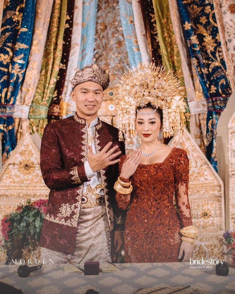 10 Momen Indra Priawan Dapat Gelar Minang di Pernikahan Nikita Willy