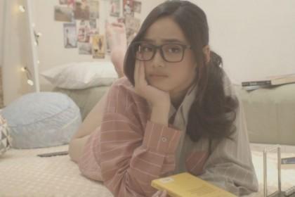 Bucin Banget Cerita Lirik Lagu Syifa Hadju 'Setia Atau Bodoh'