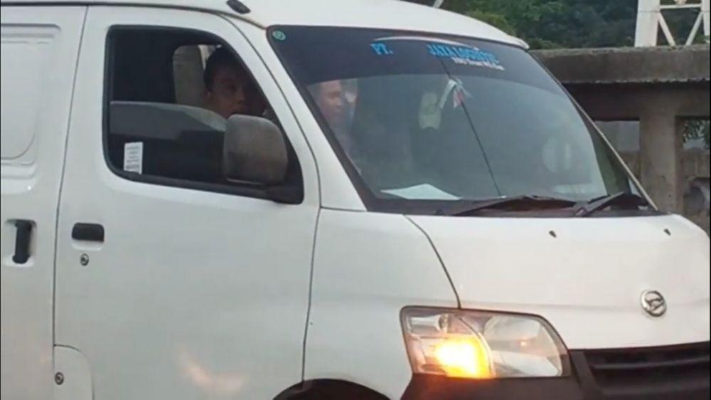 Viral Buang Sampah di Kalimalang, Pemilik Mobil Warga Tambun Bekasi