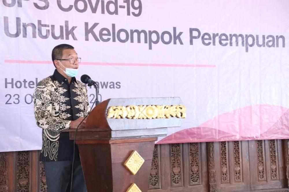 Menaker Serahkan Bantuan Bagi Kelompok Pekerja yang Terdampak Covid-19