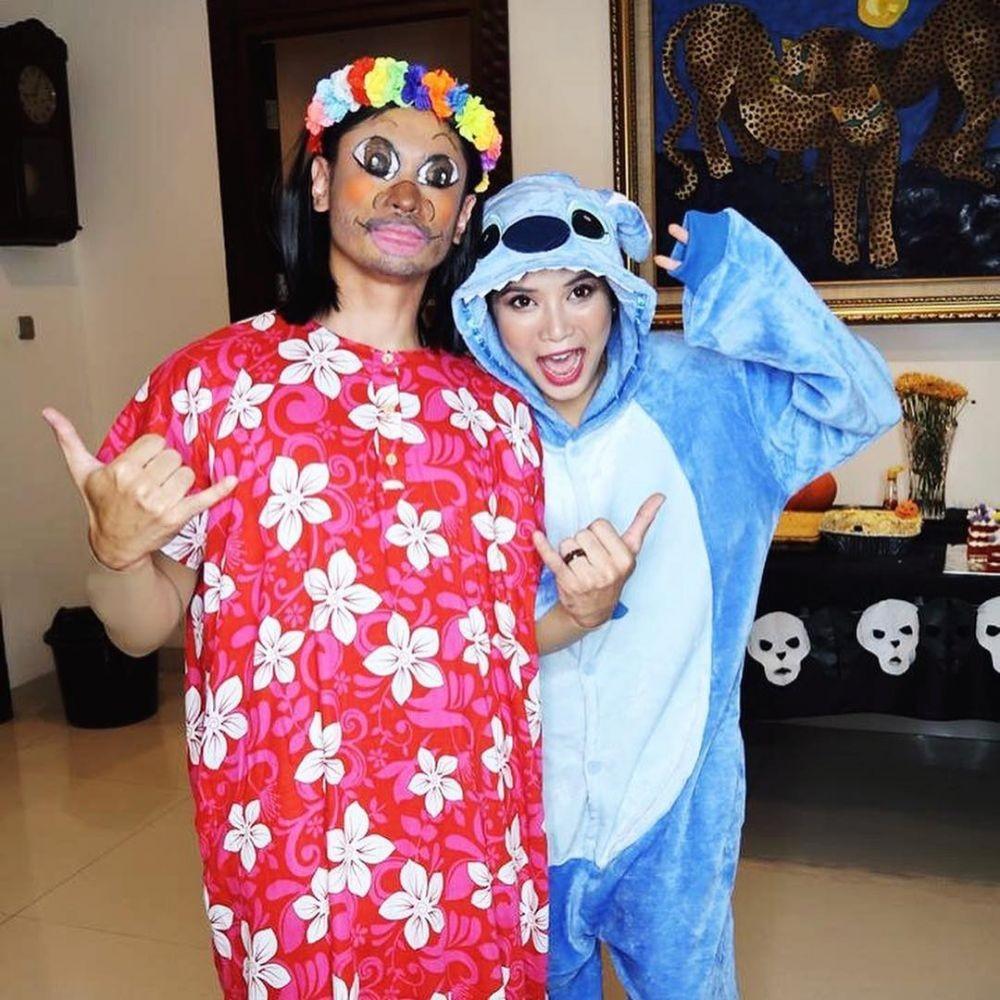 9 Ide Kostum Halloween Couple ala Seleb, Hiburan di Rumah yang Seru!
